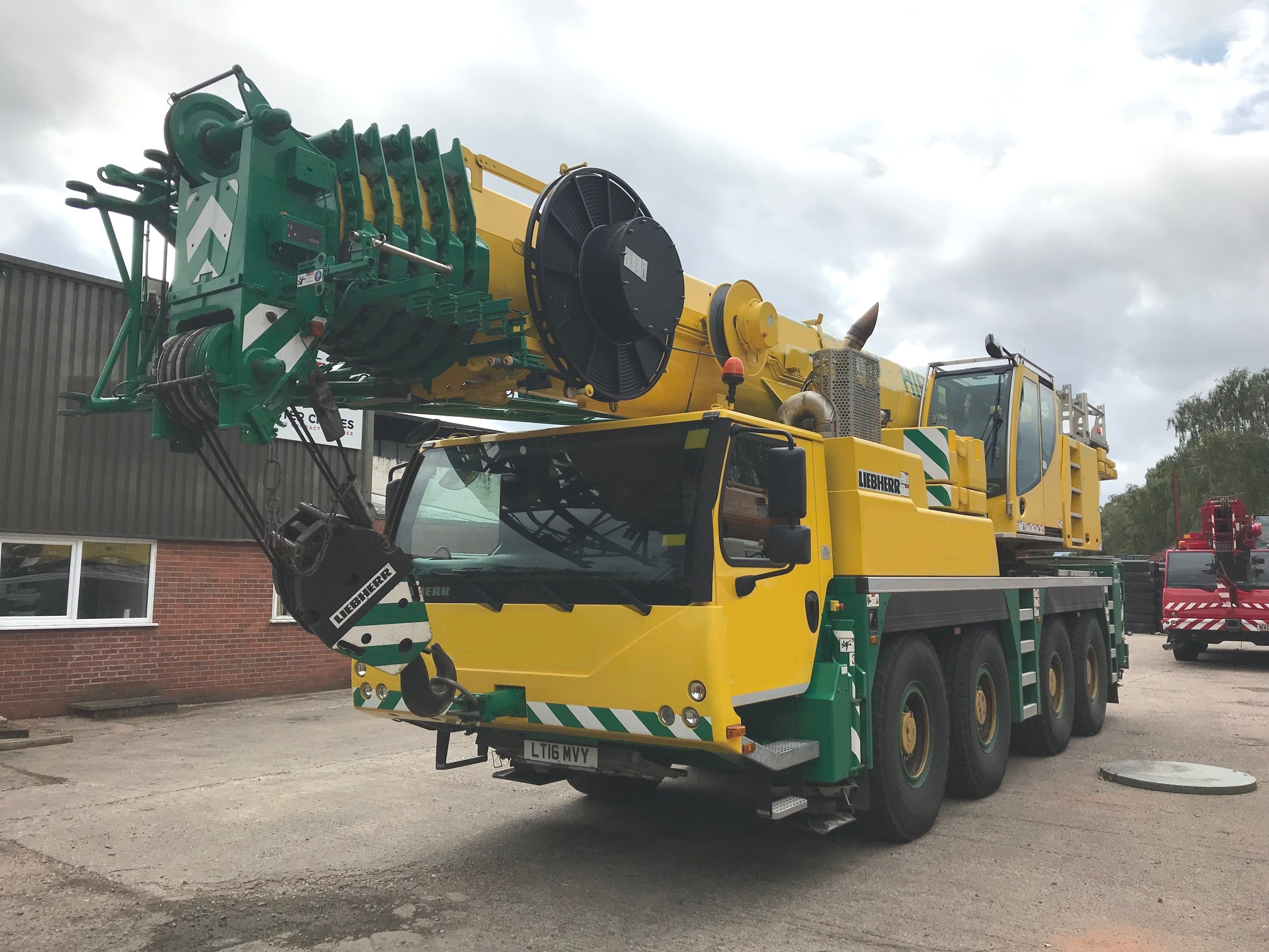 Mobile Cranes | Foster Crane & Equipment Ltd
